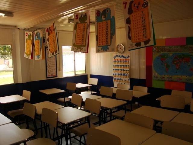 Escola feita com container