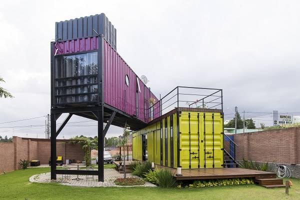 Casa feita de container marítimo