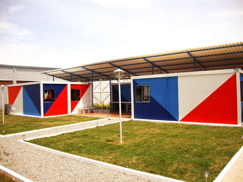 Escola construída com módulos habitacionais