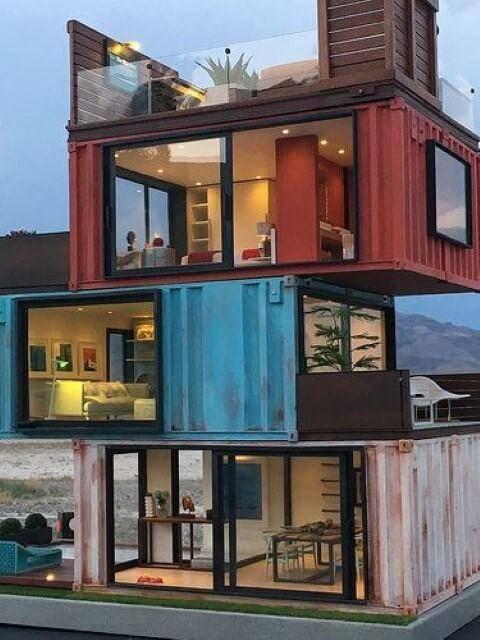 Casa feita de container reciclado