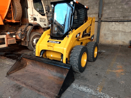 Locação de mini carregadeira para obras