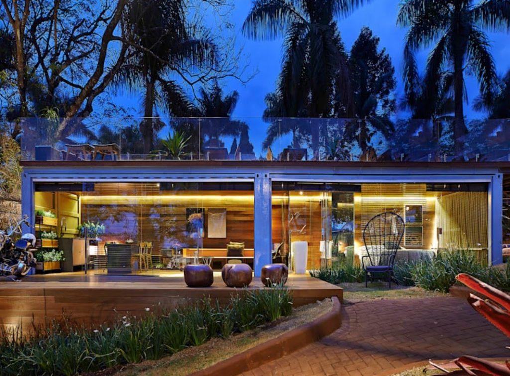 Construções modulares verdes - Casa de vidro em Belo Horizonte