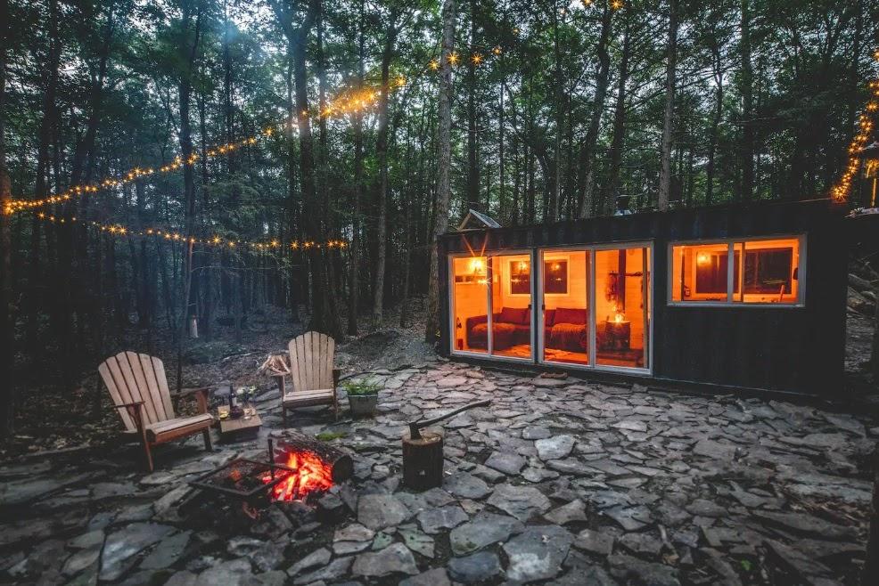 Construções modulares verdes - Container sustentável na floresta