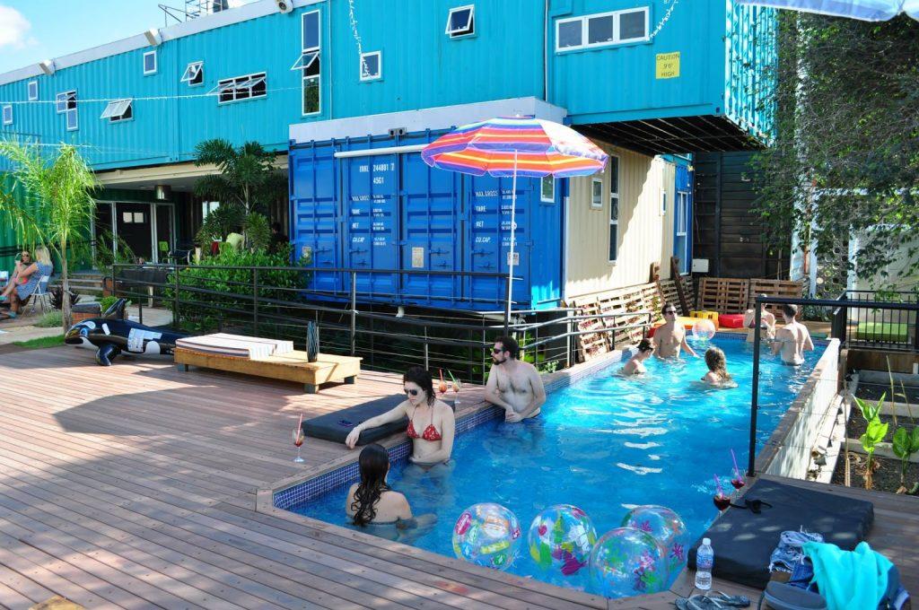 Construções modulares verdes - Tetris Hostel